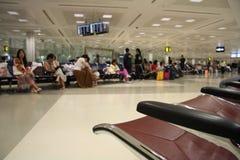 Salotto attendente nell'aeroporto Immagine Stock