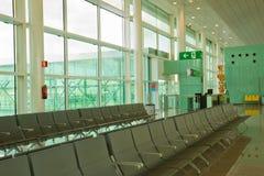 Salotto della disposizione dei posti a sedere in aeroporto Immagini Stock Libere da Diritti