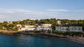 Salou, Κόστα Ντοράδα παραλία - προορισμός ταξιδιού στην Ισπανία στοκ εικόνα με δικαίωμα ελεύθερης χρήσης