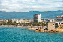 Salou, Tarragona, Spanje - 06/13/2016 Mening aan het belangrijkste strand van Stock Fotografie