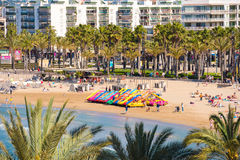 SALOU, TARRAGONE, ESPAGNE - 24 AVRIL 2017 : Attractions de l'eau sur la plage de Costa Dorada Image libre de droits