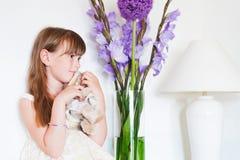 Salowy portret śliczna mała dziewczynka Fotografia Stock
