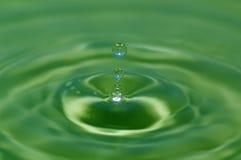 Agua-descenso Imagenes de archivo