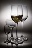 Salpicar el vino fotos de archivo