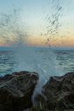 Salpicar la onda Fotos de archivo libres de regalías