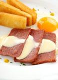 Salsa de queso y Spam Imágenes de archivo libres de regalías