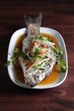 Salsa de soja cocida al vapor de los pescados Imagenes de archivo