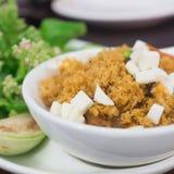 Salsa della pasta del gamberetto con il pesce fritto croccante Fotografie Stock