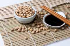 Salsa di soia e bastoncini Fotografia Stock Libera da Diritti
