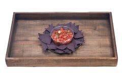 Salsa Pico De Gallo i błękitni kukurydzanego tortilla układy scaleni Obrazy Royalty Free