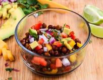 Salsa-Salat lizenzfreie stockbilder