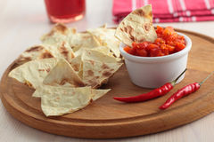 Salsa and tortilla chips Royalty Free Stock Photos