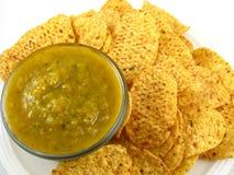 Salsa Verde und Chips Lizenzfreie Stockbilder