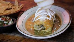 Salsa vert humide chaud de verde de burrito et de Salsa clips vidéos