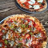Salsiccia della pizza Fotografie Stock Libere da Diritti