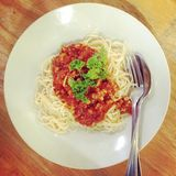 Salsiccia di maiale in spaghetti Immagini Stock Libere da Diritti