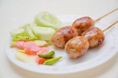 Salsiccia tailandese di stile con la verdura Fotografie Stock
