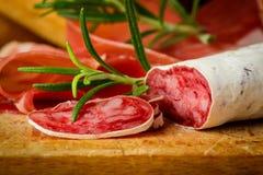 Salsiccia tradizionale del salame Fotografia Stock