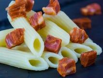 Salsiccie con pasta Immagine Stock