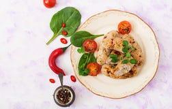 Salsiccie dietetiche dal raccordo e dai funghi del tacchino Immagine Stock