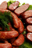 Salsiccie e verdure grezze Fotografia Stock Libera da Diritti