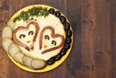 Salsiccie in forma di cuore con fritto    uova Fotografia Stock Libera da Diritti