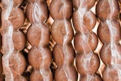 Salsiccie imballate sotto vuoto immagine stock libera da diritti