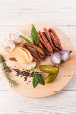 Salsiccie sottili conosciute e care del mondo di Frankfurterki piccole Immagini Stock Libere da Diritti