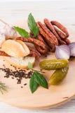 Salsiccie sottili conosciute e care del mondo di Frankfurterki piccole Fotografie Stock