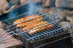 Salsiccie sulla griglia Fotografia Stock Libera da Diritti