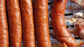 Salsicha na grade Fotos de Stock