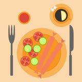 Salsichas com vegetais Imagem de Stock Royalty Free