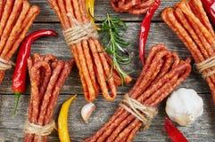 Salsichas da vara do petisco Fotografia de Stock