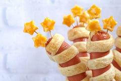 Salsichas decoradas para o Dia da Independência Fotos de Stock Royalty Free