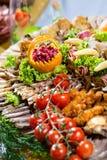 Salsichas diferentes servidas em um modo eficaz Fotos de Stock