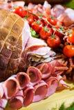 Salsichas diferentes servidas em um modo eficaz Imagens de Stock Royalty Free