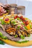 Salsichas diferentes servidas em um modo eficaz Foto de Stock