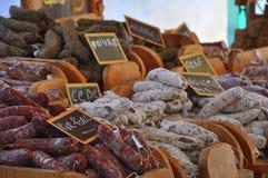 Salsichas no mercado Fotografia de Stock Royalty Free