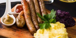 Salsichas recentemente cozinhadas Imagens de Stock Royalty Free