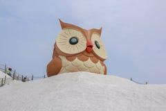 Salt berg- och ugglastaty i Qigu det salta berget, Taiwan Fotografering för Bildbyråer