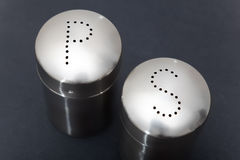 Salt cellar et pepper-pot Stock Image