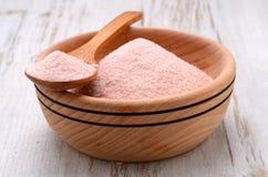 Salt Himalayan rosa kristall arkivfoto