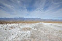 Salt lägenhet för Badwater handfat, Death Valley Royaltyfri Bild