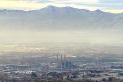 Salt Lake City śródmieście przeciw Wasatch górze obraz stock