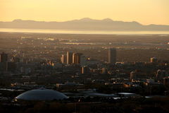 Salt Lake City au coucher du soleil Photos stock