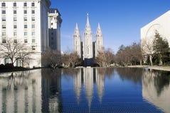 Salt Lake City céntrica con el cuadrado del templo, hogar del coro mormón del tabernáculo durante 2002 olimpiadas de invierno, UT imagen de archivo