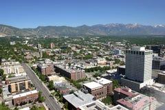 Salt Lake City do leste, opinião da cidade e montanhas Utá. fotografia de stock royalty free