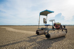 Salt lantgårdtraktor Royaltyfri Bild