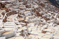 Salt pannor för Inca på Maras, Peru Royaltyfria Foton
