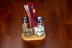 Salt, peppar och servetter Royaltyfri Fotografi